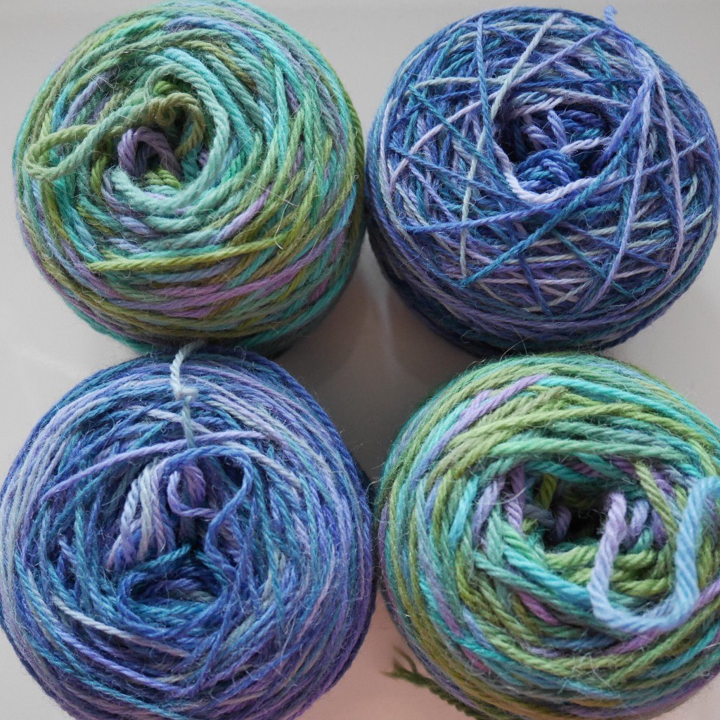 Centre pull yarn cakes